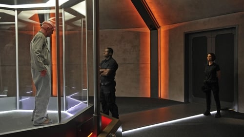 Supergirl - Season 1 - Episode 7: Human for a Day