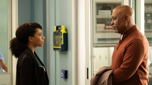 Grey's Anatomy - Season 15 - Episode 22: Head Over High Heels