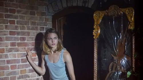 Castle Freak - Night has fallen - Azwaad Movie Database