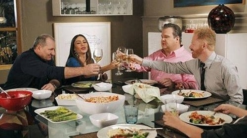 Modern Family - Season 3 - Episode 14: Me? Jealous?