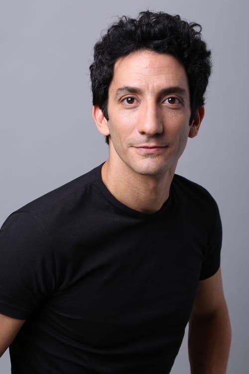 Juan Minujín