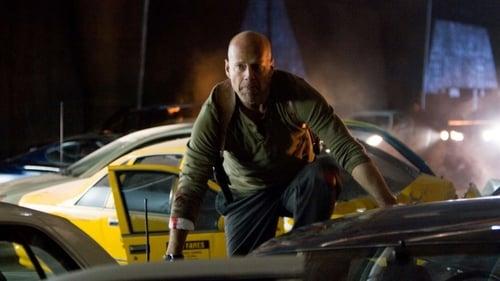 Live Free or Die Hard - The old school cop is back! - Azwaad Movie Database