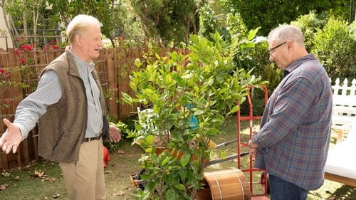 Modern Family - Season 10 - Episode 9: Putting Down Roots