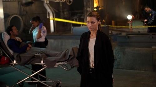 Lucifer - Season 1 - Episode 4: Manly Whatnots