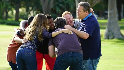Modern Family - Season 8 - Episode 7: Thanksgiving Jamboree