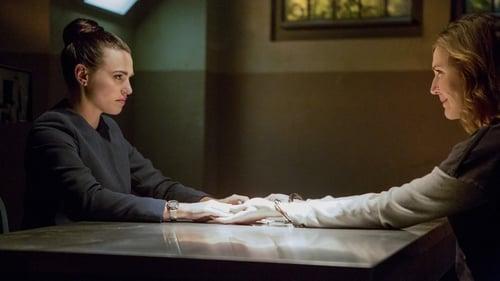 Supergirl - Season 2 - Episode 12: Luthors