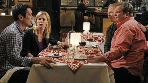 Modern Family - Season 3 - Episode 15: Aunt Mommy