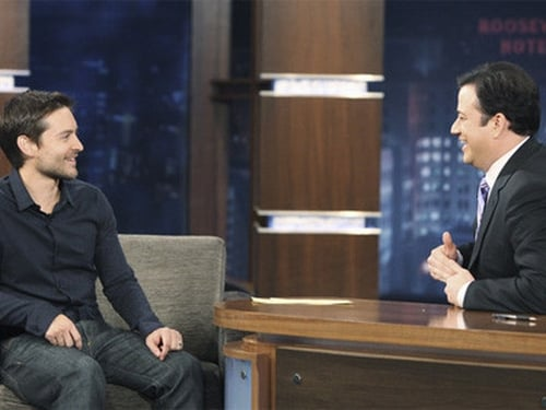 Jimmy Kimmel Live!: Season 8 – Episod Tobey Maguire, Shenae Grimes, Colbie Caillat