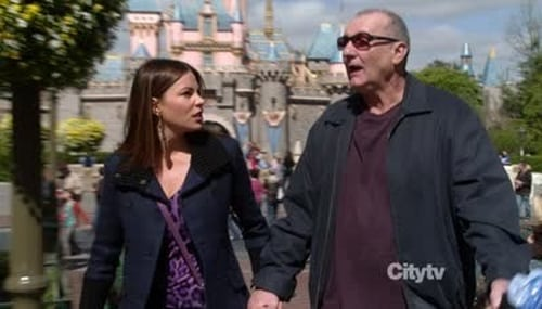Modern Family - Season 3 - Episode 22: disneyland