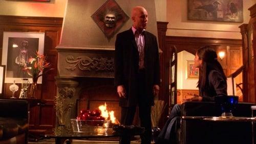 Smallville - Season 4 - Episode 22: Commencement