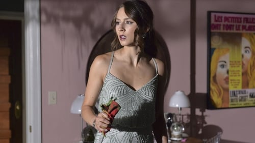 Pretty Little Liars - Season 5 - Episode 14: How the 'A' Stole Christmas