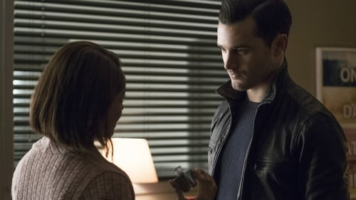 The Vampire Diaries - Season 7 - Episode 18: One Way or Another