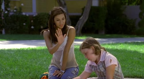 Desperate Housewives 2005 Bluray 720p: Season 1 – Episode Pretty Little Picture