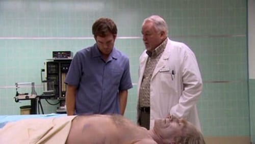 Dexter - Season 1 - Episode 9: Father Knows Best