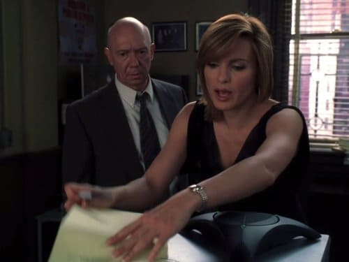Law & Order: Special Victims Unit - Season 7 - Episode 3: 911