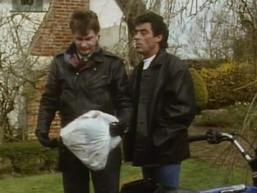 Lovejoy 1991 720p Extended: Season 2 – Episode Bin Diving