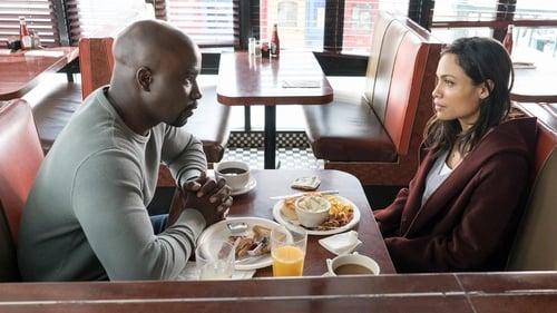 Marvel's Luke Cage - Season 1 - Episode 6: Suckas Need Bodyguards