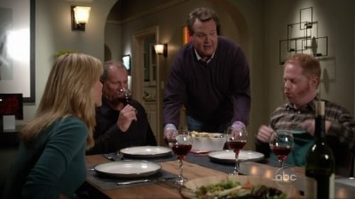 Modern Family - Season 4 - Episode 1: Bringing Up Baby