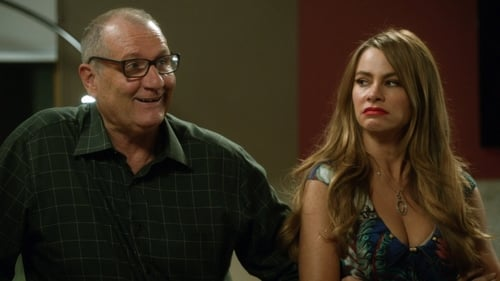 Modern Family - Season 6 - Episode 4: Marco Polo