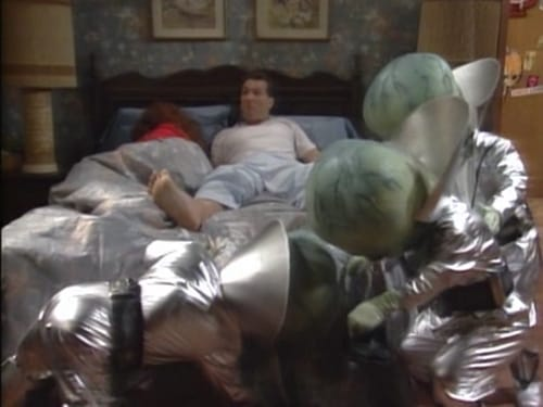 Married... with Children - Season 5 - Episode 7: Married ... with Aliens