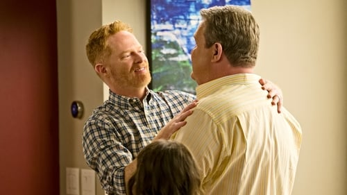 Modern Family - Season 8 - Episode 1: The Tale of Three Cities