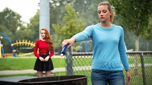 Riverdale - Season 1 - Episode 3: Chapter Three: Body Double