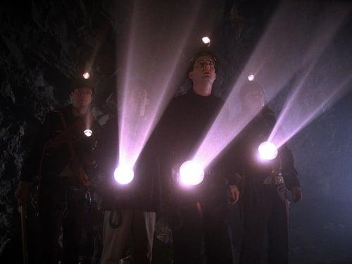 Twin Peaks - Season 2 - Episode 18: On The Wings Of Love