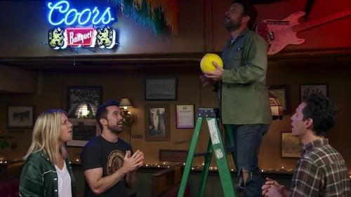 It's Always Sunny in Philadelphia - Season 14 - Episode 8: Paddy's Has a Jumper