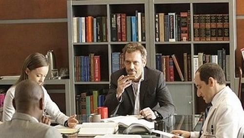House - Season 5 - Episode 21: Saviors