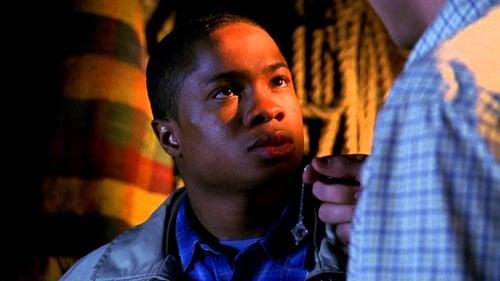 Smallville - Season 2 - Episode 23: Exodus