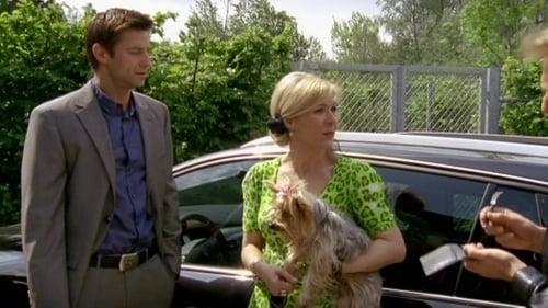 Die Rosenheim-Cops: Season 10 – Épisode Auf den Hund gekommen