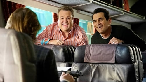 Modern Family - Season 7 - Episode 21: Crazy Train