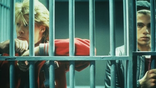Twin Peaks - Season 1 - Episode 2: Traces To Nowhere