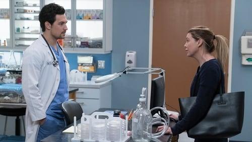 Grey's Anatomy - Season 15 - Episode 16: Blood and Water