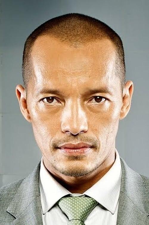 Kép: Arthur Acuña színész profilképe