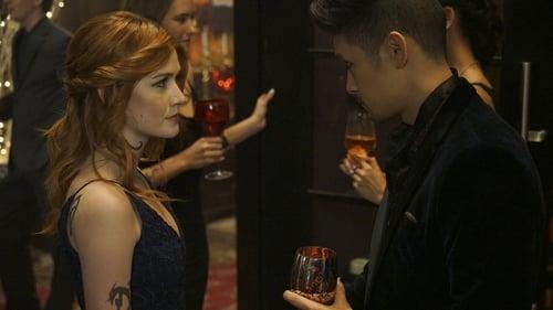Shadowhunters - Season 2 - Episode 8: Love Is a Devil