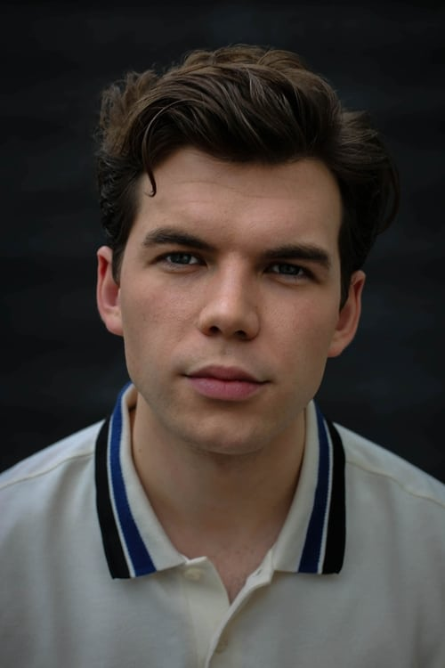 Kép: Luke Newton színész profilképe