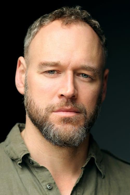 Kép: Elliot Cowan színész profilképe