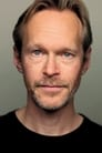 Steven Mackintosh isRupert Pearce