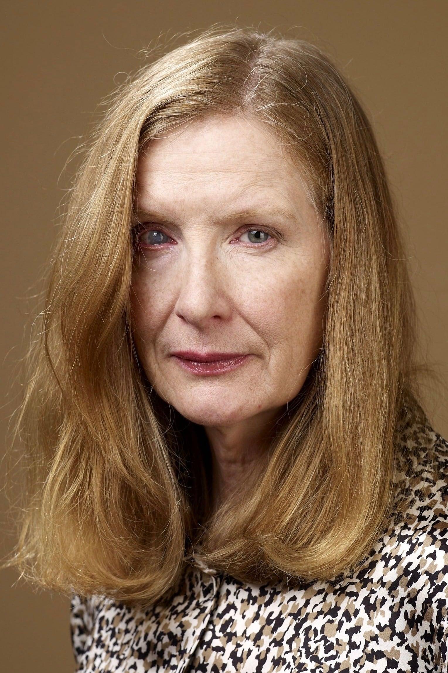 Frances Conroy isPenny Fleck