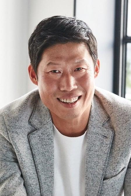 Yoo Hae-jin isHwang Hae-chul